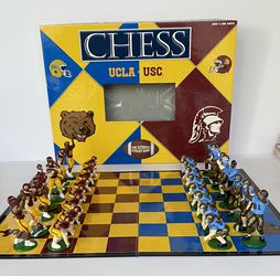 UCLA Vs USC Chess Set Pre Owned for Sale in Los Angeles,  CA