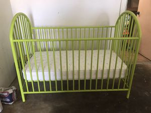 Baby crib comes with everything you need for Sale in Duncanville, TX
