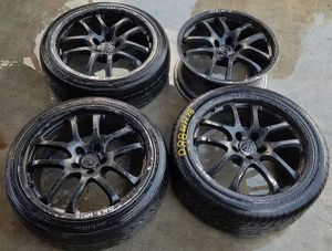 """2003-2007 INFINITI G35 COUPE 19"""" INCH WHEEL OEM RIMS WITH TIRES for Sale in Fort Lauderdale, FL"""
