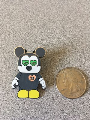 2009 Disney Parks Pin - Micky Mouse Vinylamation Valentines Day for Sale in Guadalupe, AZ