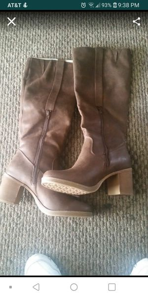Woman's boots new size 11 for Sale in Lincoln Acres, CA