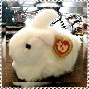 Ty Classic Nibbles ( White Version ) Bunny Rabbit for Sale in Radcliff, KY