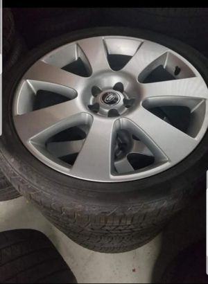 Land rover 22 rims n tires for Sale in Boston, MA