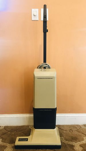 Electrolux Discovery 2 Vacuum Cleaner for Sale in Raymond, NH