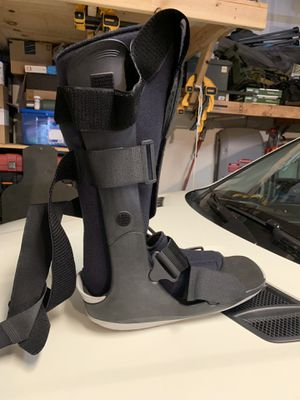Medical Cam Boot (Price Negotiable) for Sale in Temple City, CA