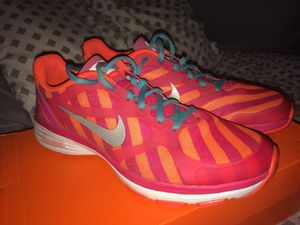 Nike shoes. Size:7 1/2 for Sale in Sanger, CA