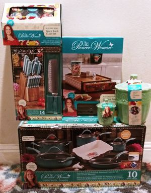 Pioneer Woman Cookware & Cutlery Kitchen Bundle for Sale in Sacramento, CA