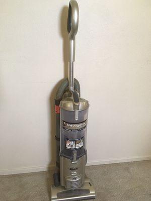 shark navigator deluxe vacuum for Sale in San Jacinto, CA