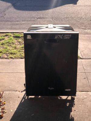 Working Black Whirlpool Dishwasher for Sale in Fresno, CA
