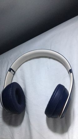 Beats Solo3 Wireless On-Ear Headphones - Beats Club Collection - Club Navy for Sale in San Diego,  CA