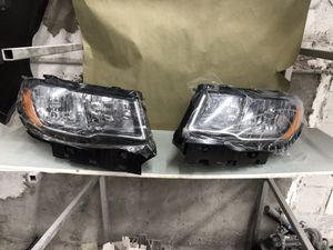 2019 Jeep Compass halogen headlights both sides for Sale in Detroit, MI