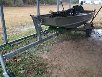 Tracker 10ft boat And Trailer for Sale in Swainsboro,  GA