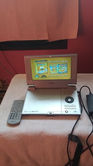 THOSHIBA PORTABLE DVD PLAYER for Sale in Palatine, IL