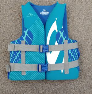 Stearns Adult S/M Life Vest for Sale in Burlington, NC
