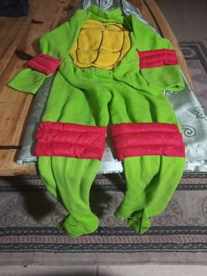 Teanage mutant ninja turtle costume for Sale in Phoenix, AZ