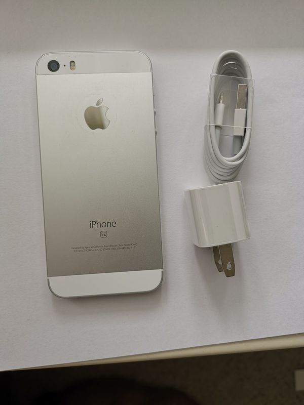 IPHONE SE 64GB UNLOCKED WHITE COLOR VERY CLEAN COMES WITH ACCESSERIOS