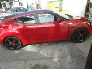 Hyundai Veloster 2013 for Sale in Beverly Hills, CA