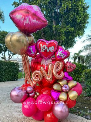 Love Gift for a boyfriend or girlfriend / Regalo Para pareja / anniversary aniversario globos balloons for Sale in Fort Lauderdale, FL