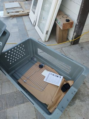 Sky kennel dog crate 90 to 125 lbs for Sale in Vista, CA