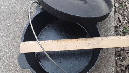 Cast Iron Campfire Cooking Pot for Sale in Whitney,  TX