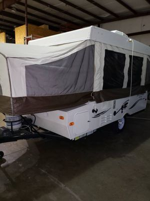 2014 ROCKWOOD POP UP ELETRIC ROOF for Sale in McDonough, GA