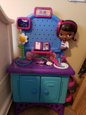 Doc mcstuffins work desk for Sale in Pickerington, OH