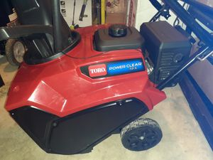 """TORO POWER CLEAR 721 E 21"""" SNOW THROWER BRAND NEW for Sale in Fresno, CA"""
