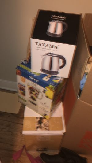 Blender, Dinner Ware and Electric Kettle for Sale in McLean, VA