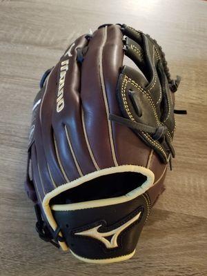 Mizuno 13'' MVP Prime Series Slow Pitch Glove 2019 RH Throw for Sale in Kirkland, WA