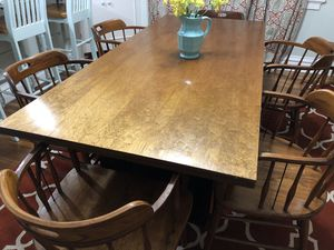 Dining table and six chairs for Sale in St. Louis, MO