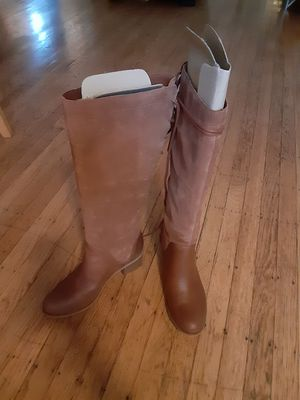 *BRAND NEW IN BOX*TIMBERLAND HEEL BOOTS*BROWN FULL GRAIN*WOMEN SIZE 9*$140 O.B.O.* for Sale in San Leandro, CA