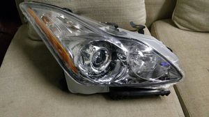 Brand new Infiniti parts g37 headlight passenger right for Sale in HALNDLE BCH, FL
