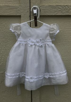 Flower girl dress size 12 months for Sale in Oswego, IL