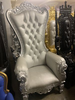 Beautiful throne chair.$1800. Best offer for Sale in Bayonne, NJ