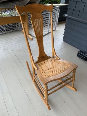Antique rocking chair for Sale in Puyallup, WA