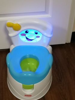 FISHER PRICE POTTY TRAINER for Sale in Inglewood,  CA