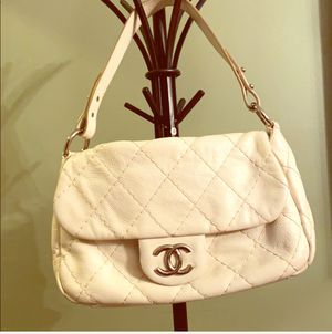 Authentic Chanel bag , slightly used. for Sale in Orlando, FL