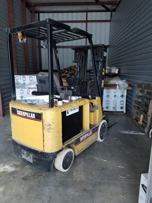 Forklift, Caterpillar, Electric for Sale in Port St. Lucie, FL