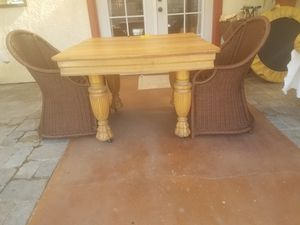 Antique Golden Oak Paw Foot Dinning Table 1890 - 1920 for Sale in Santa Maria, CA