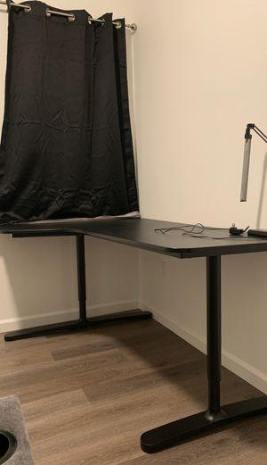 Corner desk for Sale in San Marino, CA