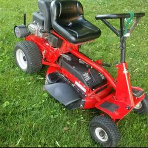 SNAPPER riding lawn mower, almost new for Sale in Lake Station, IN