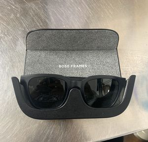 BOSE sunglasses with built in blue tooth speakers for Sale in Winter Garden, FL