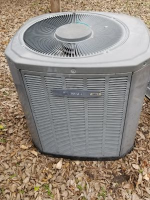 Unidad de 2 ton de Freon R22 for Sale in Dallas, TX