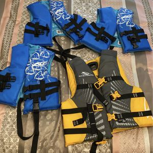 Life Jackets, 3 Child, 1 Youth for Sale in Spring, TX
