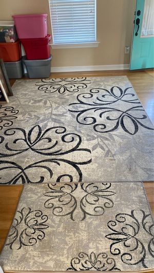 8x10 area rug and matching door rug for Sale in Elizabeth City, NC
