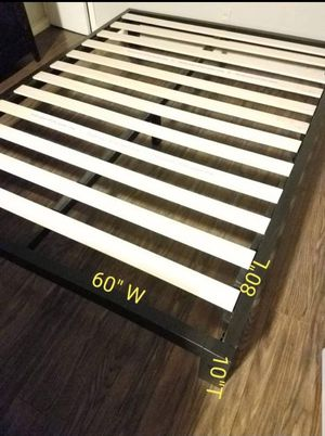 Platform bed frame Queen size. Brand new. Free delivery in Modesto. $75 for Sale in Modesto, CA