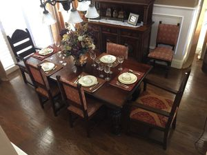 Antique Solid Wood Extendable Table for Sale in Covina, CA