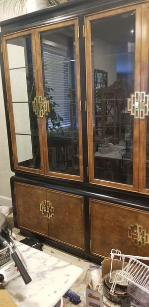 Henredon, Drexel, Stanley? China cabinet for Sale in Gig Harbor, WA