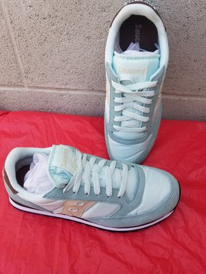 Women shoes size 9 for Sale in Los Angeles, CA