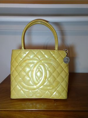 Chanel Medallion tote bag for Sale in San Jose, CA